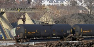 Oil-by-rail regulations bill clears first House hurdle; Senate weighs study