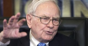 Buffett says rail tank cars need upgrades for oil