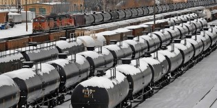 Volatile oil, aging tank cars raise stakes for rail safety