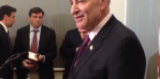 Schumer wants Obama administration to act on oil train tank cars