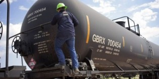 US Oil trains, born of U.S. energy boom, face test in new safety rules