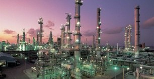 Refiners adapt as oil supply tips away from imports
