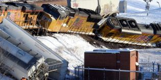 No One Hurt After Train Derailment in Mankato