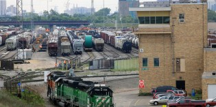 Despite service woes, BNSF posts strong earnings