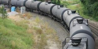 Railroad: Oil train reports could enable insider trading