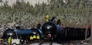 Oil train mishaps reveal tank car strengths and limitations