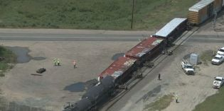 Train derails in Commerce City