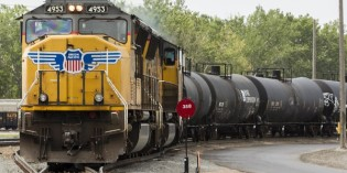 Union Pacific chief threatens action on oil train brake rules