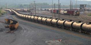 Railroads use new oil train rule to fight transparency