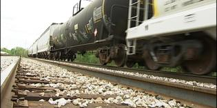 Push for stricter oil train regulations