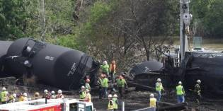 As oil train burned, firefighters waited 2 hours for critical details