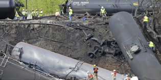 States Step Up Scrutiny of Oil Train Shipments