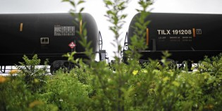 Feds reject call for tougher fire-resistance for crude oil tank cars