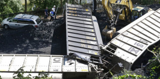 Railroads beat back new safety rules after derailments