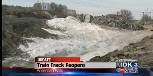 2,800 tons of soda ash spill in derailment near American Falls, ID