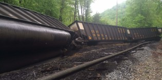 Coal train derails in Eastern Kanawha County