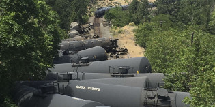Herrera Beutler presses feds to study oil train safety