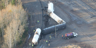 Crews clean up chemical leak after train derailment near Superior